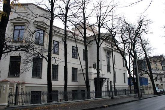 Особняк Путилова А.И. с флигелем, палисадником и оградой